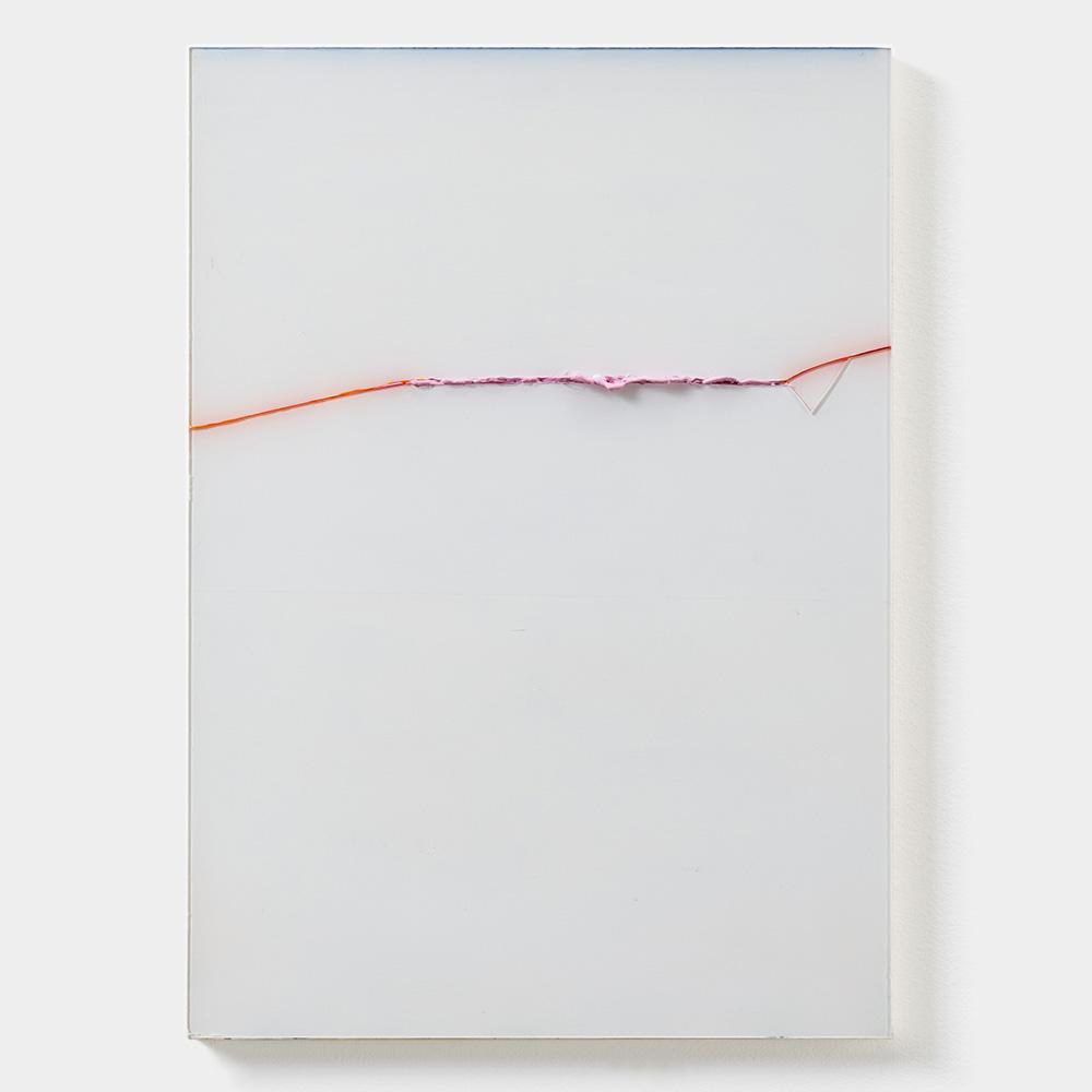 Rosa aus Orange durch Weiß, 2019, Acryl hinter und durch Plexiglas, 42 x 30 cm